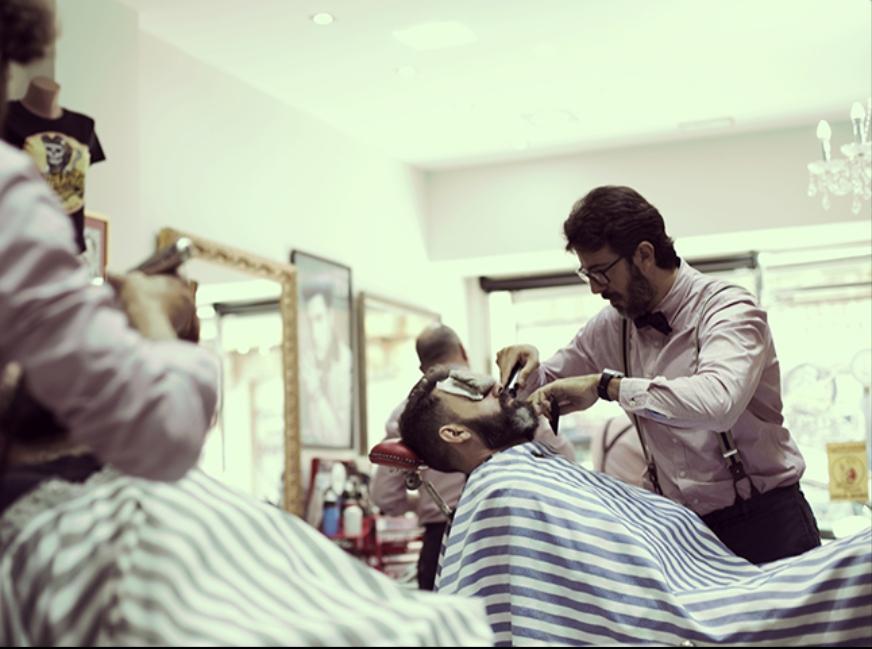 Moisés Rozalén La Barbería Haircuts & Wines